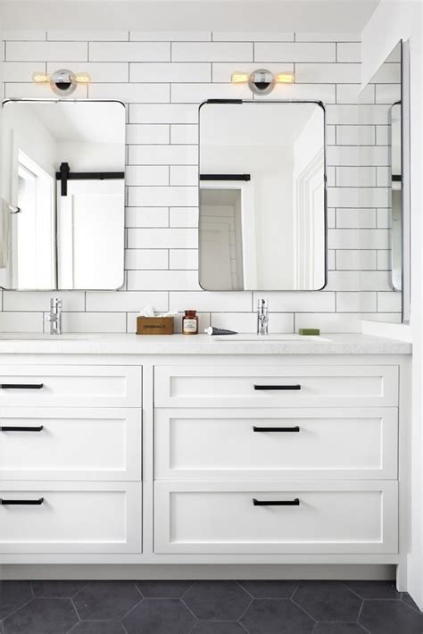 Bathroom Shaker Cabinets by Designer Tips To Create A Modern Farmhouse Inspire