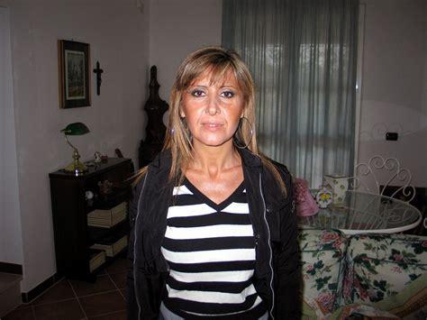 Italian mature wife gives blowjob. (3) - Expic