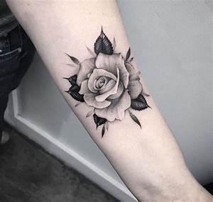 Rosen Tattoo Klein : tattoo unterarm rosen sch ne tattoos blumen tattoo am unterarm rosen tattoo rosen taschenuhr ~ Frokenaadalensverden.com Haus und Dekorationen