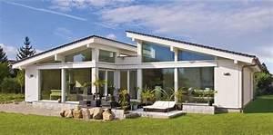 Schöne Bungalows Bauen : fertighaus bungalow modern aussen gestalten haus dekorieren tipps mit dachdecken und glas ~ Indierocktalk.com Haus und Dekorationen