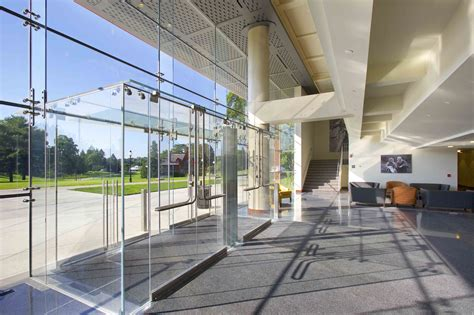 Great First Impressions with All Glass Vestibules