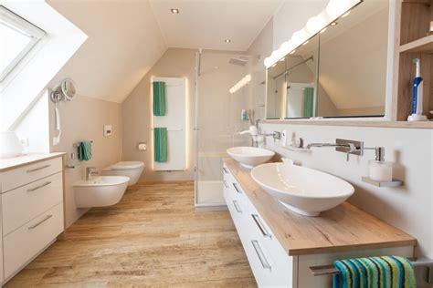 Ein Neues Bad Mit Dachschräge Handwerklich Perfekt