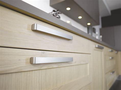 poignee de cuisine comment choisir ses poignées de portes de cuisine