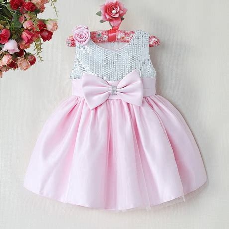 festliche kleider fuer babys