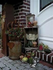 Eingangsbereich Außen Dekorieren : ber ideen zu alte milchkannen auf pinterest alte milchflaschen milchkannentisch und ~ Buech-reservation.com Haus und Dekorationen