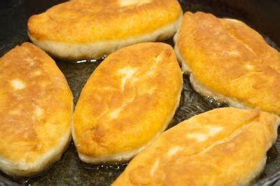cuisine russe pirojki pirojki définition et recettes de quot pirojki quot supertoinette