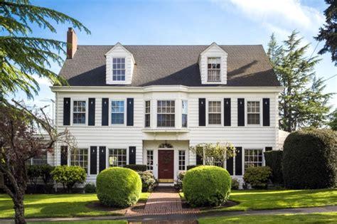 zewnętrze elewacja domu amerykańskiego zainspiruj się 667 | elewacja domu amerykańskiego dom amerykański willa amerykańska rezydencja projekt design elewacja podjazd pod dom inspiracje 57
