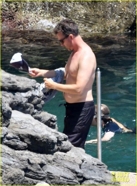 edward norton  shirtless  italy  family