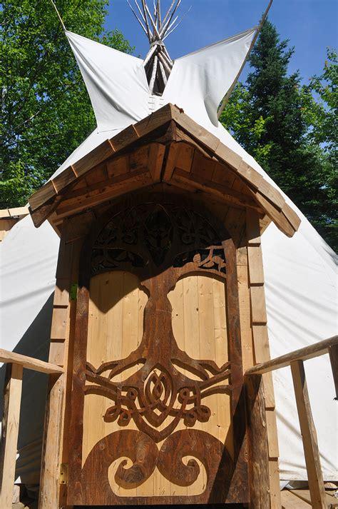 chambre bulle dans la nature séjourner dans un tipi amérindien la mini maison com