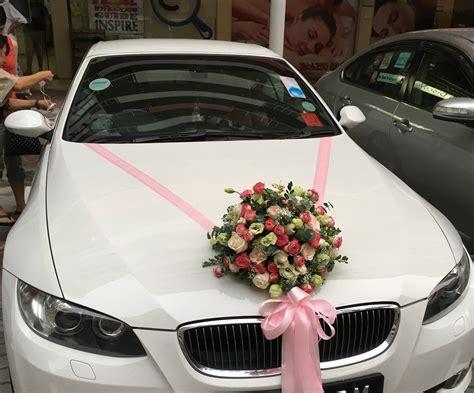 wedding car flowers pretty
