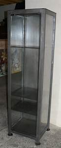 Vitrine Bois Et Verre : vitrine en metal et verre sur mesure ~ Teatrodelosmanantiales.com Idées de Décoration