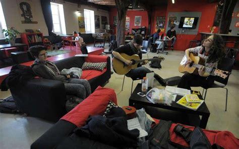 bureau information jeunesse mont de marsan au café la future maison de la