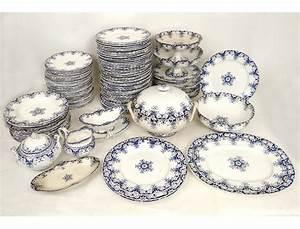 Service A Vaisselle : vaisselle bordeaux table de cuisine ~ Teatrodelosmanantiales.com Idées de Décoration