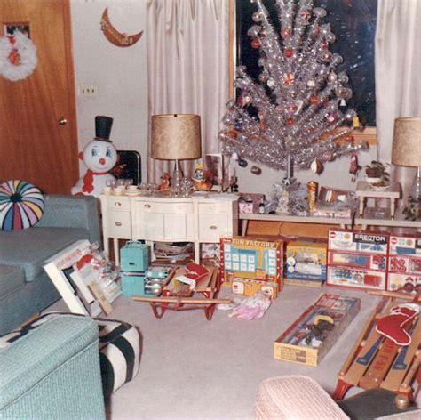 christmas   present  yuletide comparisons flashbak