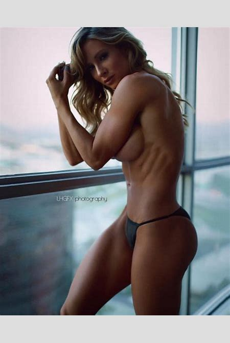 Paige Hathaway Nudes