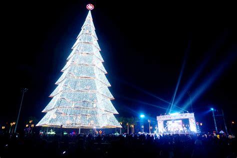 gigantic christmas tree lights  beautiful tagum city