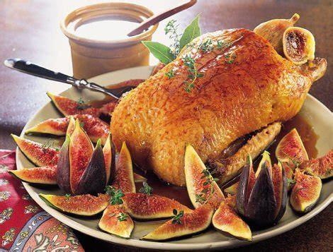 cuisiner une canette recette de canette rôtie aux figues pour les fêtes