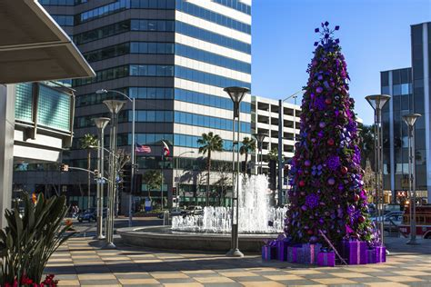 holiday lighting for retailers