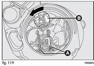 Feux De Croisement C3 : fiat 500 feux de route remplacement d 39 une ampoule ext rieure situations d 39 urgence manuel ~ Medecine-chirurgie-esthetiques.com Avis de Voitures