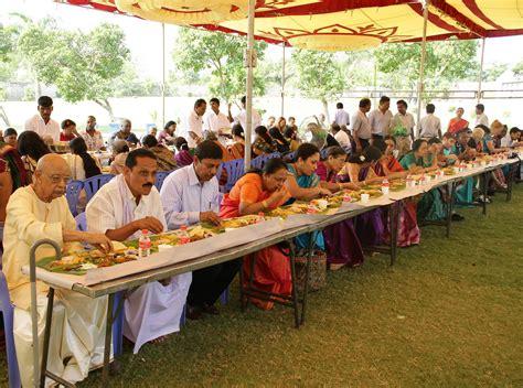 sandisplash indian dining etiquette the mistress of spices spicy memories 2 banana leaf