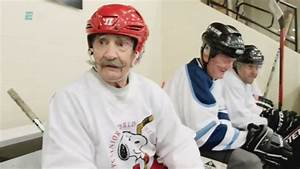 The world's oldest hockey player is an absolute legend ...