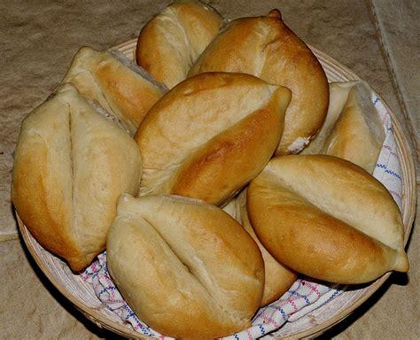 portuguese bread my discovery of bread portuguese bread rolls papo secos