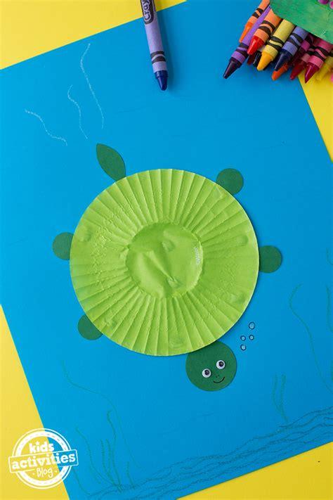 cupcake liner turtle craft