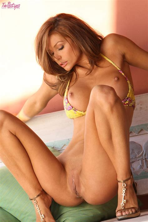 Heather Vandeven Tight Bodied Bikini Babe With Sexy Long