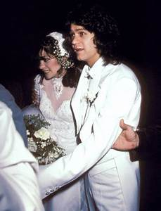 eddie van halen and valerie bertinelli book talks early With valerie bertinelli wedding dress