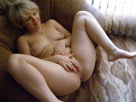 Unbelievable Lady Takes Bare Old Teens Bare Pics