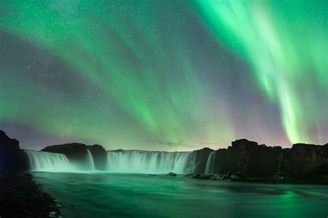 northern lights in iceland how to photograph the northern lights colby brown