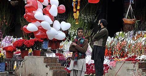 street vendors risk arrest selling valentines day