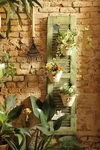 alte gegenstande neu benutzen 20 stilvolle dekoideen fur With französischer balkon mit alte fensterläden im garten