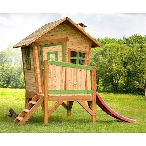 cabanes en bois leroy merlin maisonnette en bois enfant 60 jolies demeures pour les petits