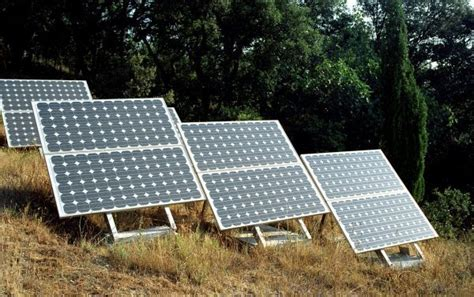 andris piebalgs visite la centrale solaire la plus