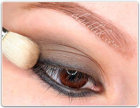 Как красить глаза карандашом способы правильного подведения контура для начинающих карандашная техника и секреты визажистов