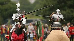 What did knights wear during the Middle Ages? | Reference.com