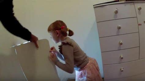 que faire dans sa chambre quand sa mère était enceinte père a caché un secret