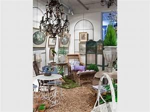 Puce De Jardin : les puces retracent l 39 histoire du mobilier outdoor ~ Nature-et-papiers.com Idées de Décoration