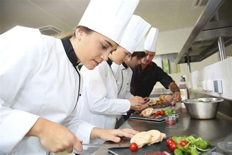 sous chef de cuisine kucharz wybierz zawód dla siebie zawody w polsce administracyjno usługowe budowlane
