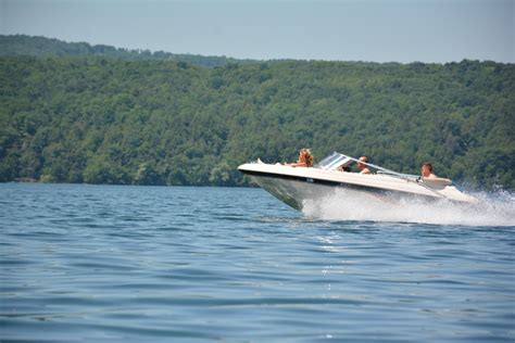 Smith Mountain Lake Rentals With Boat by Parrot Cove Boat Rentals Experience A Smith Mountain
