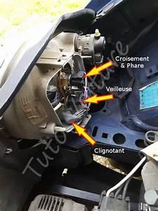 Ampoule Feu De Croisement Scenic 2 : ampoule avant renault twingo comment les changer tuto voiture ~ Medecine-chirurgie-esthetiques.com Avis de Voitures