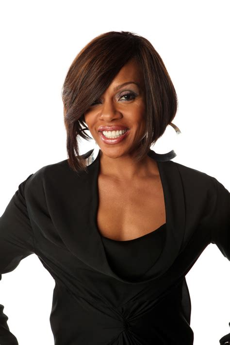 wendy raquel robinson graduated bob short hairstyles
