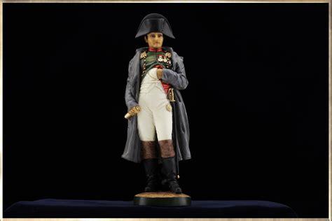 statuette de napoleon en pied