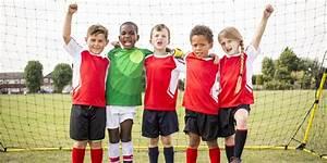 But Foot Enfant : les coups de t te au soccer sont tr s mauvais pour le cerveau des enfants ~ Teatrodelosmanantiales.com Idées de Décoration