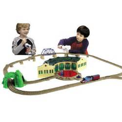 thomas the tank engine trackmaster thomas tidmouth sheds