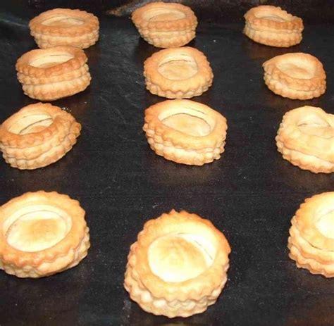 recette pate feuilletee pour bouchee reine les mini bouch 233 es 224 la reine contenant la cuisine d aur 233 lie et de ses amis
