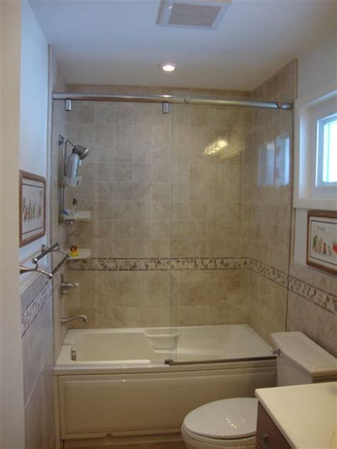 Tubs And Showers For Small Bathrooms by 42 Best Images About Bathroom Tub Shower Ideas On