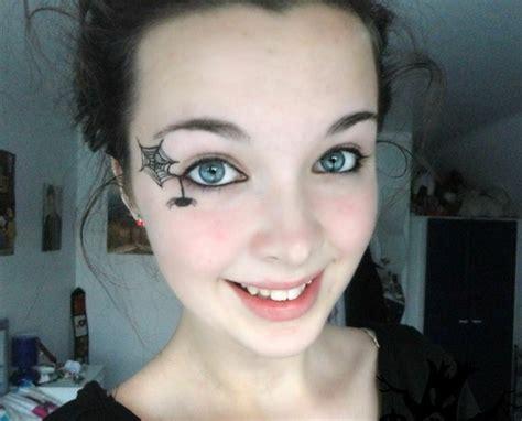 maquillage de sorcière pour fille propositions originales de maquillage simple