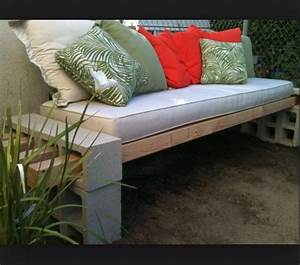 Cinder block outside furniture home improvement pinterest for Cinderblock furniture